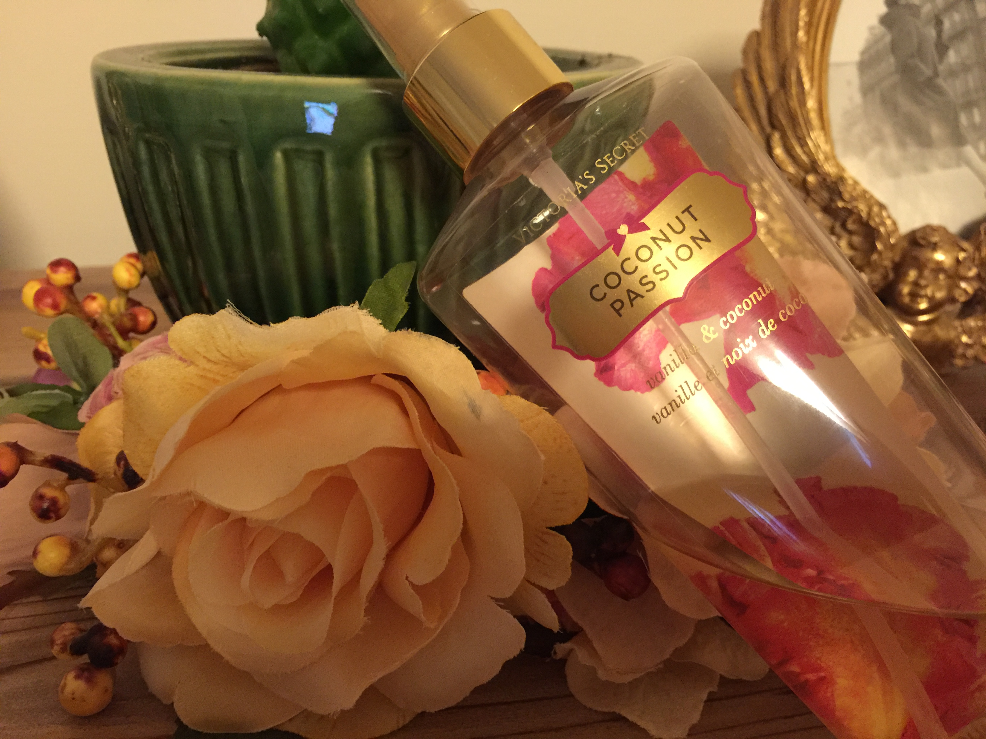 Victoria's Secret – Coconut Passion Vücut Spreyi